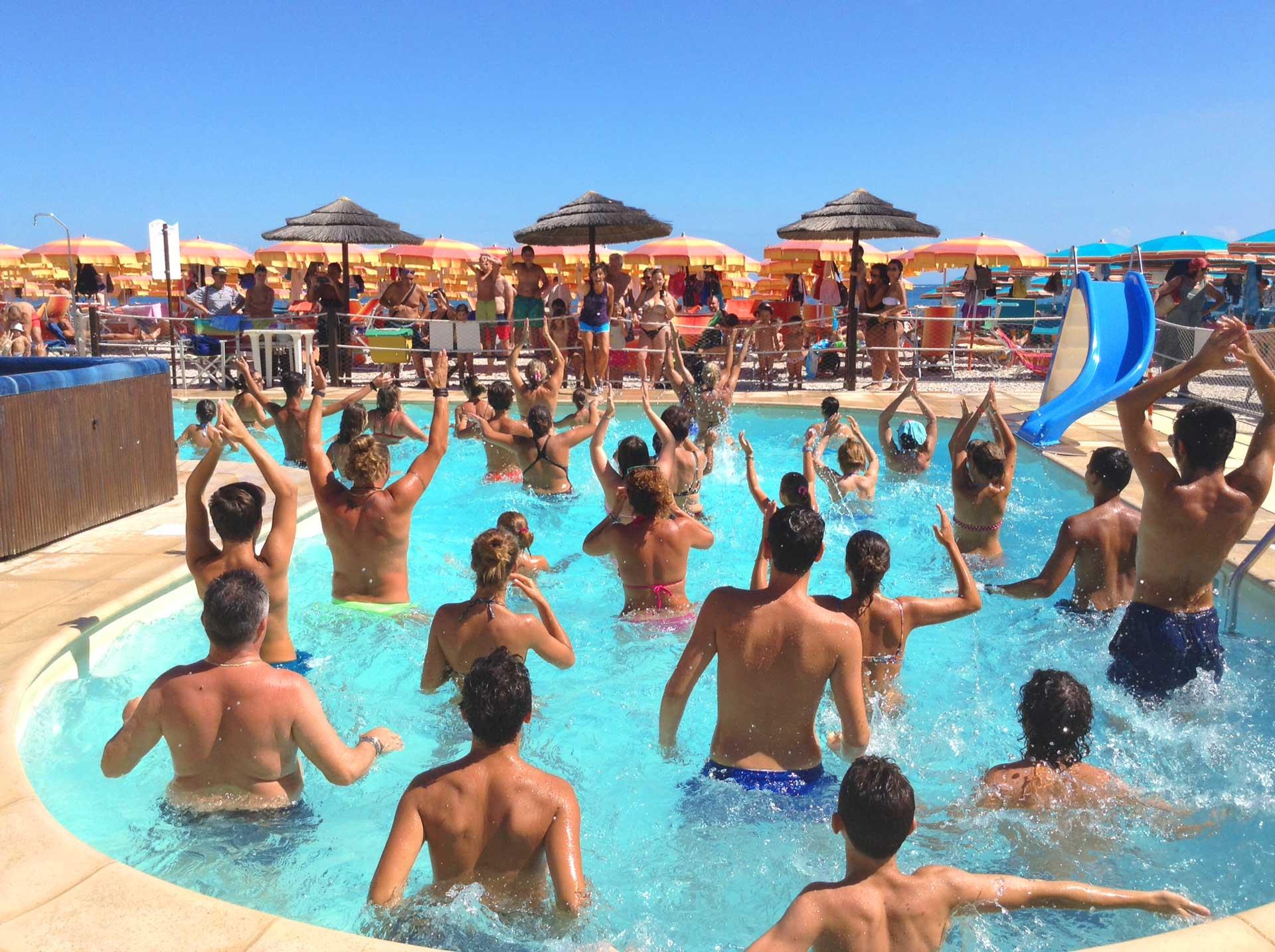 Bagni Peppe Spiaggia Attrezzata Fano Sassonia Bambini E